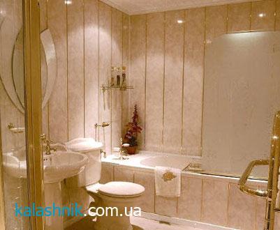 Второй пример отделки стен ванной комнаты пластиковыми панелями