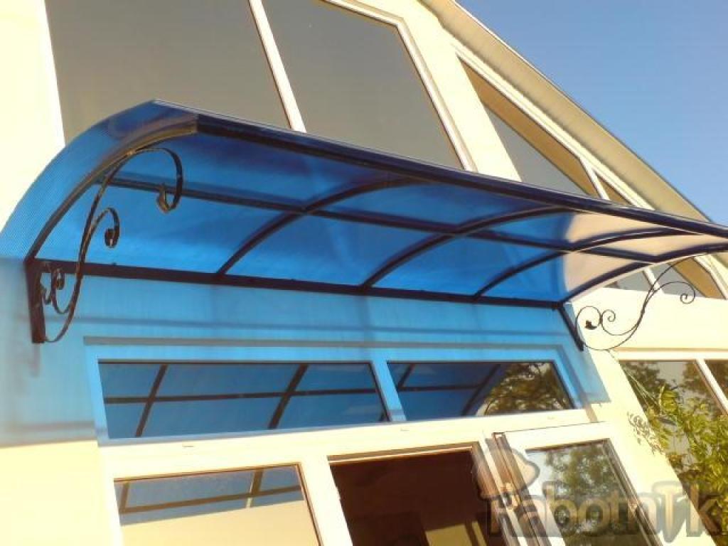Козырек на балкон своими руками: виды, материалы, фото и вид.