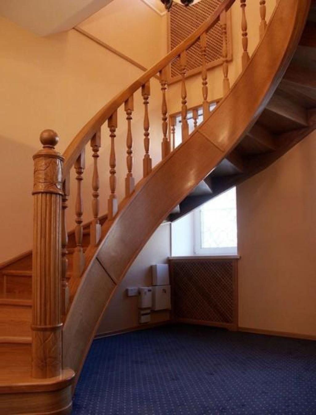 Как сделать закругленную лестницу