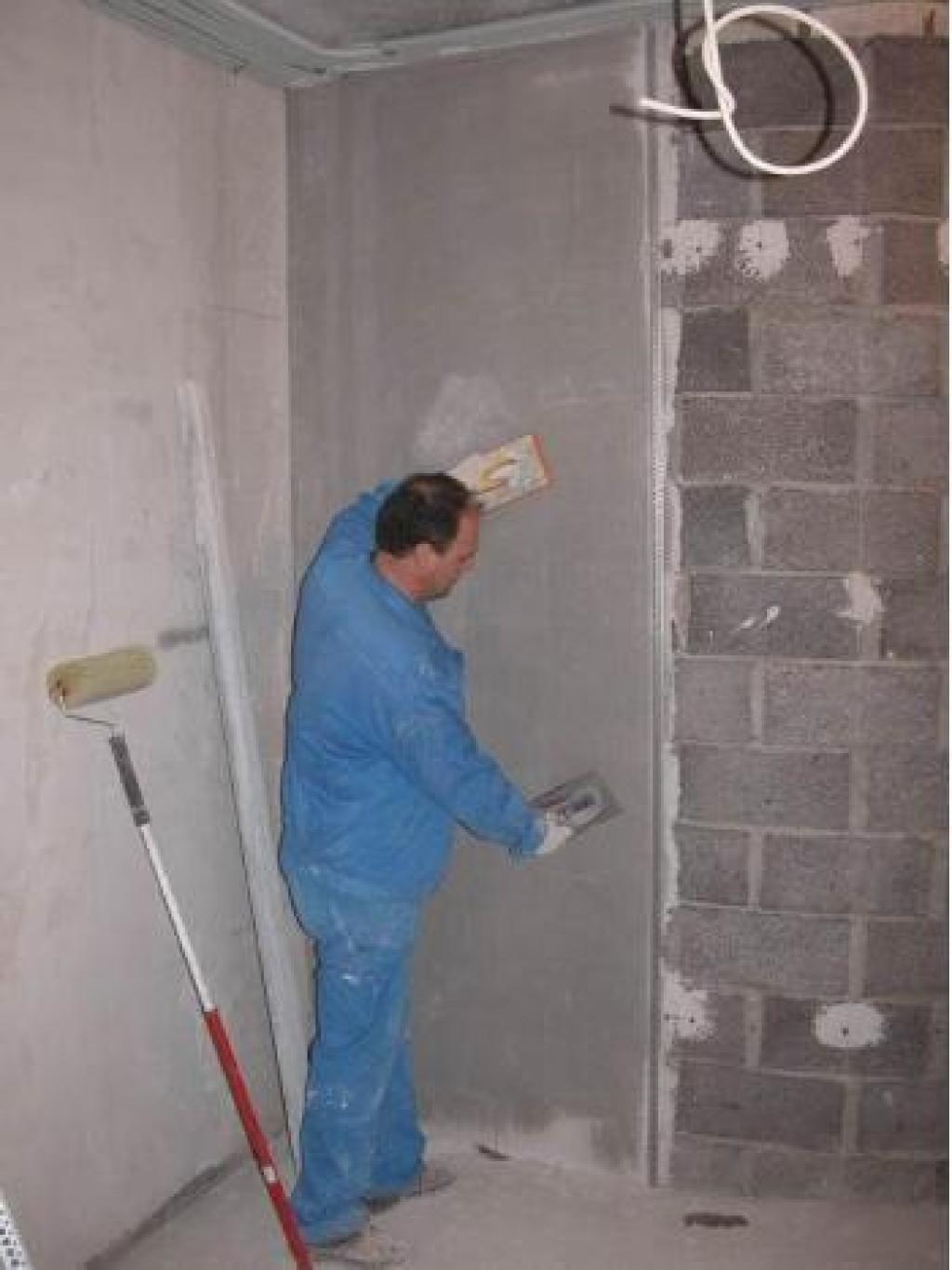 Штукатурка цементным раствором по маякам своими руками