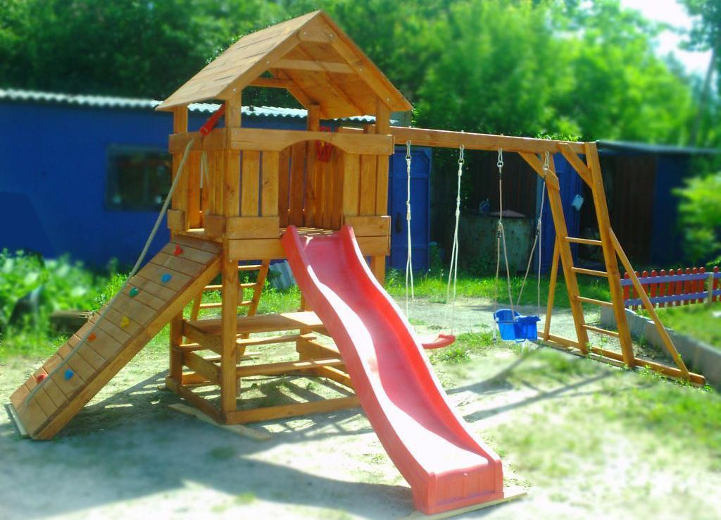 Детские площадки с горками своими руками из дерева