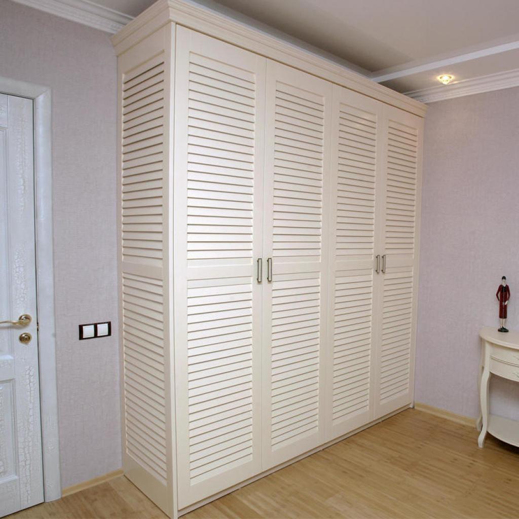Жалюзийные двери для шкафов и гардеробных - doorscomfort.