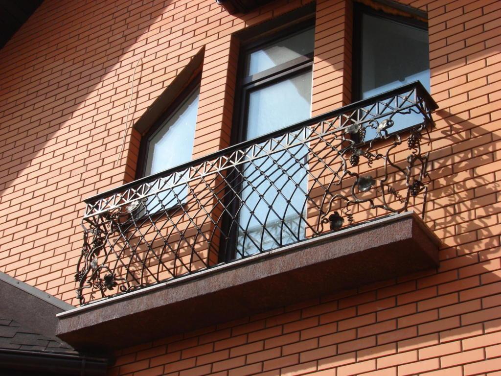 Кованые ограждения балконов - заказать кованые перила для ба.