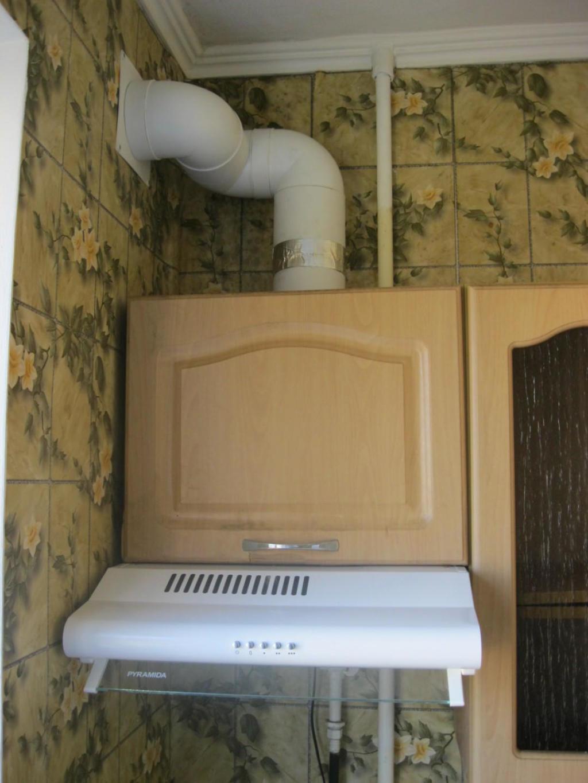 Установка вытяжки на кухне - в частном доме, фото 1